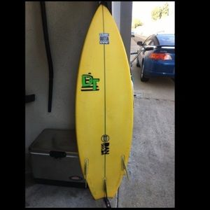 5'3 dan Taylor surfboard with stomp pad and leash